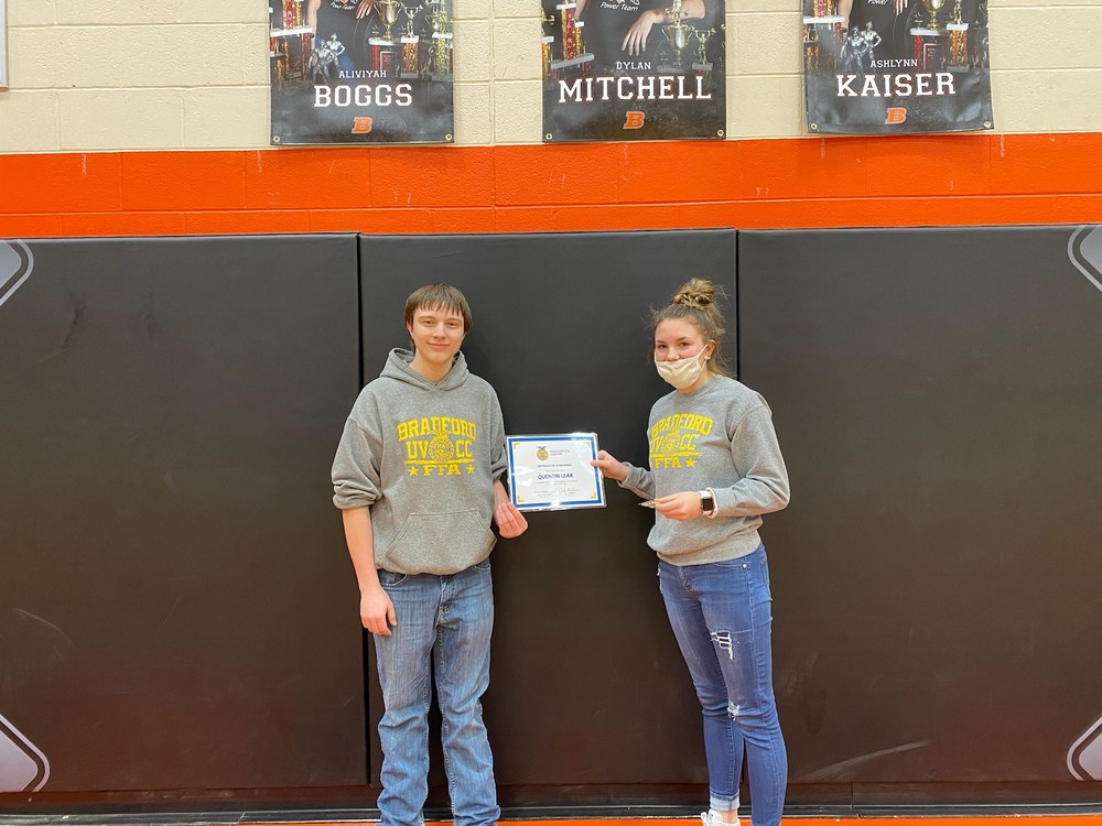 Bradford Recognizes Positive Examples in FFA Chapter